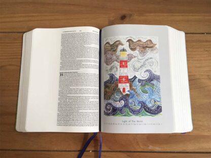 Hannah Dunnett Journalling Bible Light of the world image